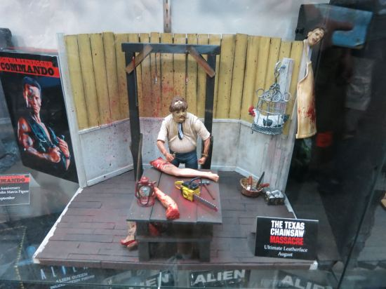 Texas Chainsaw Massacre action figure set (you got it: NECA!).