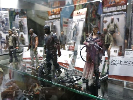 LOVE the dirty Carol action figure, kinda wish I'd bought one (McFarlane).