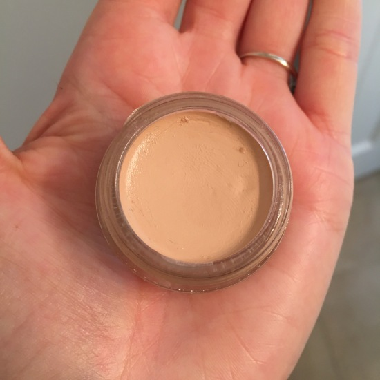 Glossier Stretch Concealer in Light